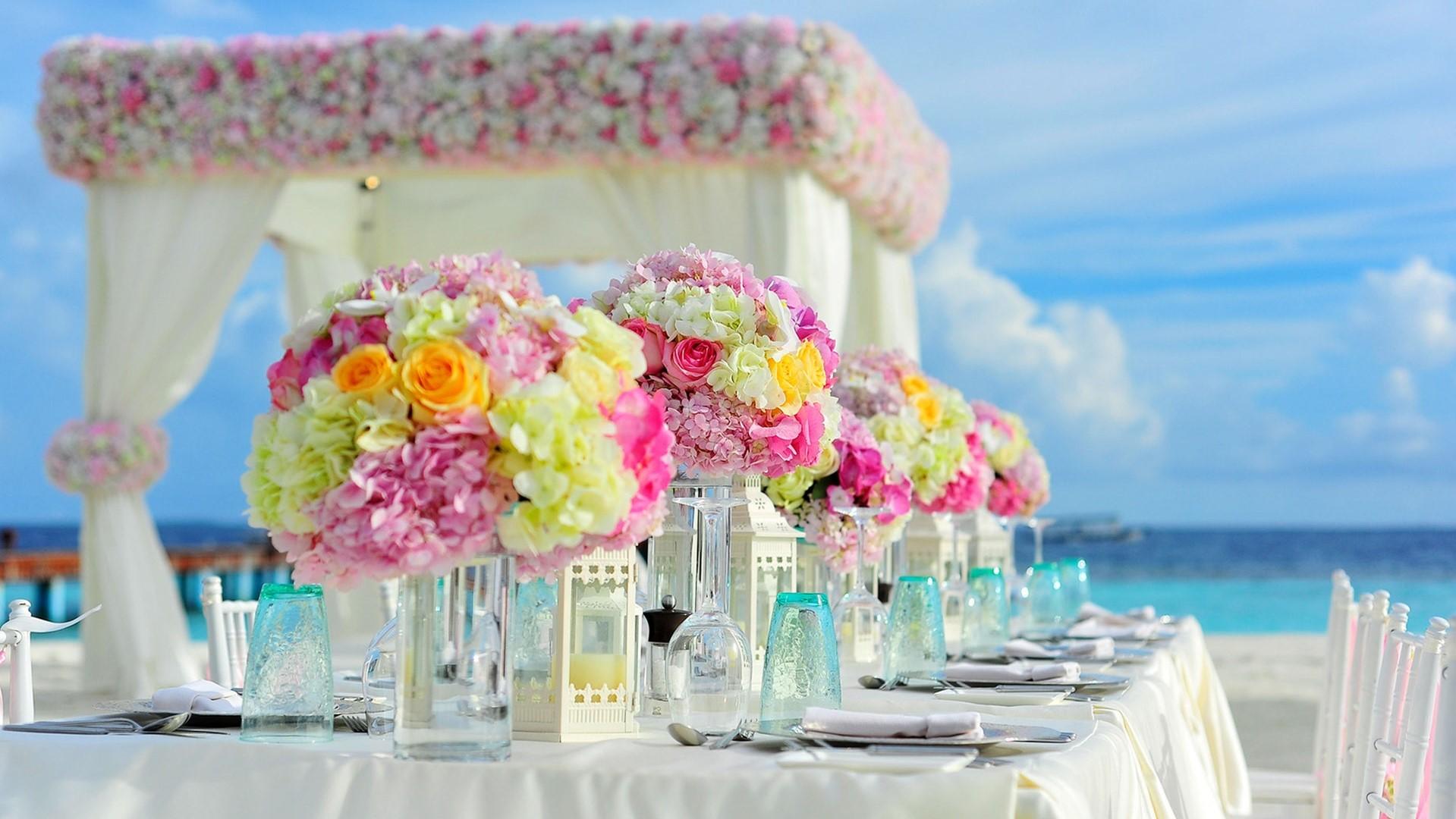 beach-bunch-of-flowers-celebration