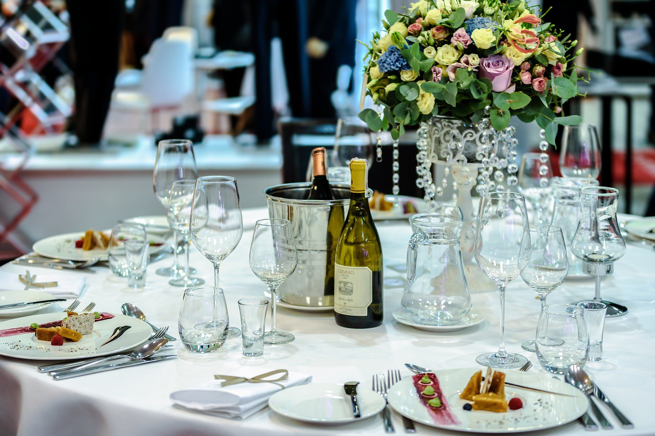 wedding-party-table