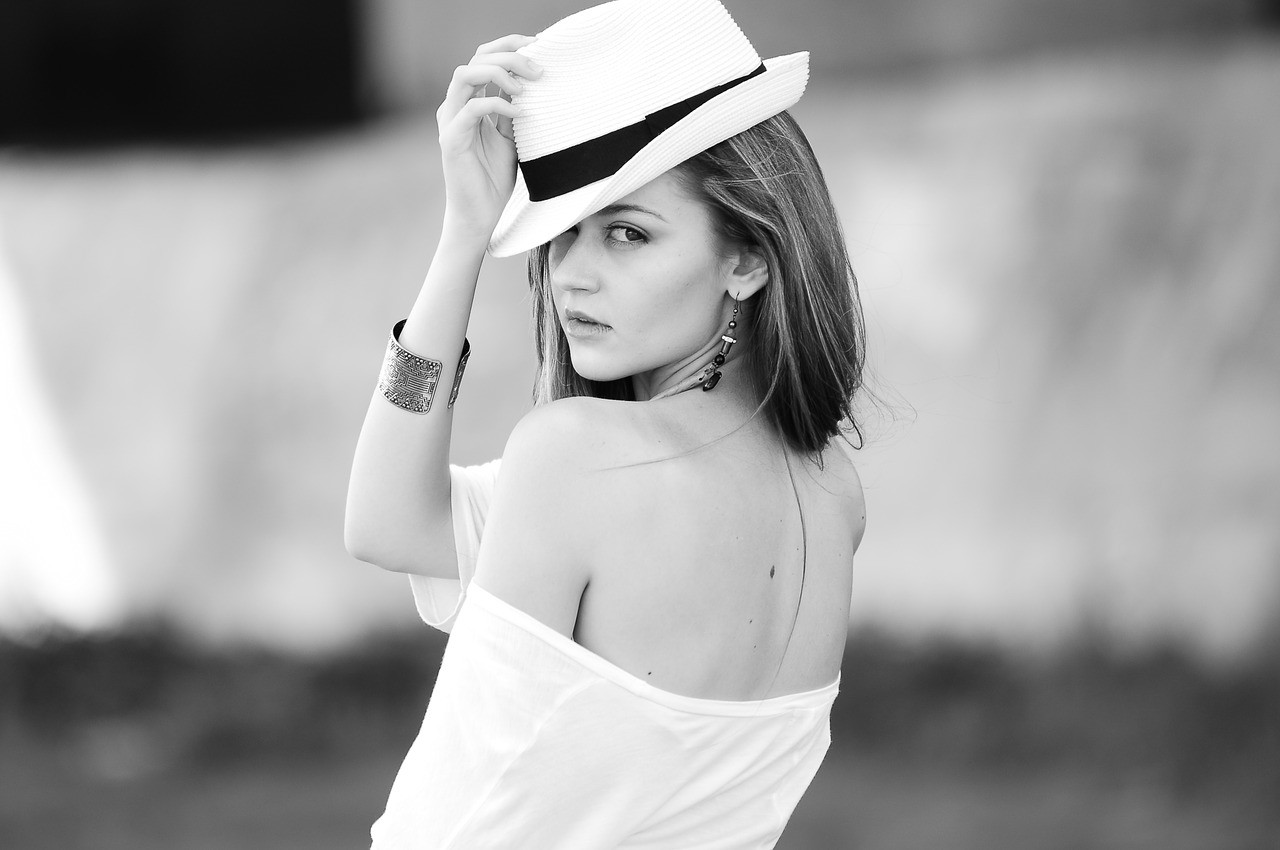 fashion-youtube-influencer-woman