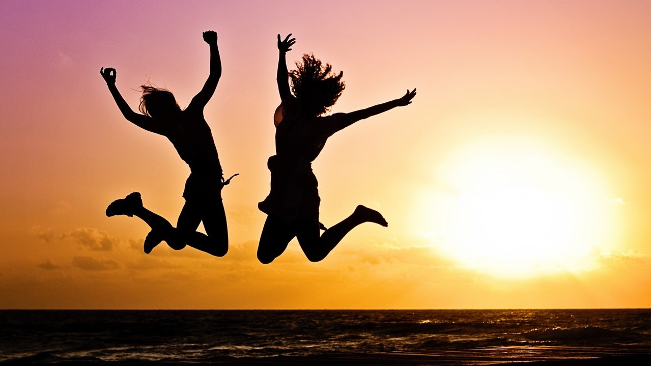new-year-sunrise-jump