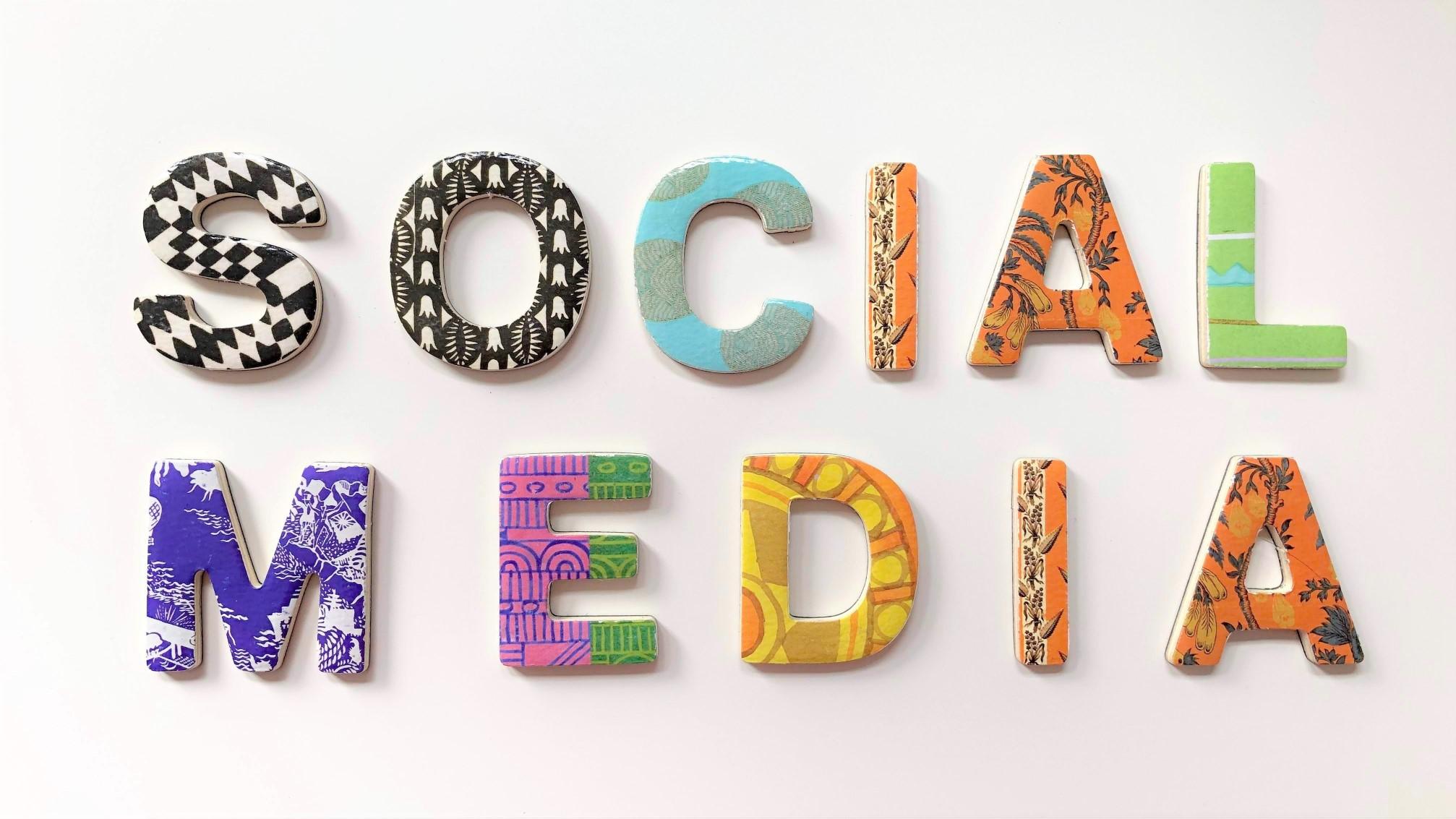 social-media-art