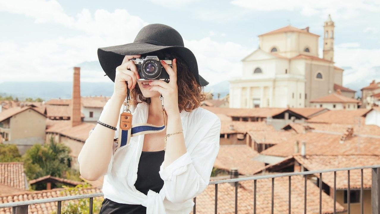 travel-woman-photo